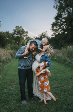 Fall Family Photos | Fall Family Maternity Photos