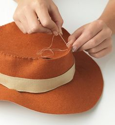 Cute and easy costumes to make with your children - Learning & play - MadeForMums Page 13 Mad Hatter Costumes, Movie Halloween Costumes, Toy Story Costumes, Horse Costumes, Fête Toy Story, Jessie Toy Story, Toy Story Party, Easy Costumes To Make, Kids Costumes Girls