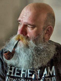 leatherlunged: Looks like he smokes plenty-my sort of bloke… Beard Game, Epic Beard, Moustaches, Man Smoking, Pipe Smoking, Grey Beards, Long Beards, Bald With Beard, Bald Men