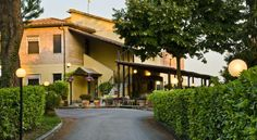 Hotel Porta Ai Tufi Siena Located 2 km from Siena medieval walls, and surrounded by a nice garden, Ai Tufi offers outdoor seating areas and non-smoking rooms. Free WiFi is available in all areas.
