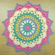 New Ideas For Crochet Mandala Placemat Place Mats Crochet Mandala Pattern, Crochet Blanket Patterns, Crochet Doilies, Crochet Flowers, Crochet Home, Free Crochet, Crochet Mandela, Crochet Pillow, Bunt