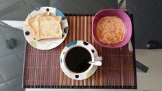 Un simple desayuno. Just a simple breakfast.