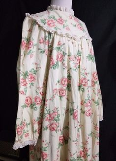 Lovely LANZ of SALZBURG Long Cotton Flannel Nightgown Floral Ruffled Medium VTG #Unknown