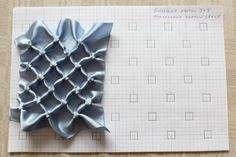 Diy Crafts - How to do canadian smocking matrix design - Art & Craft Ideas Smocking Tutorial, Smocking Patterns, Sewing Patterns, Tutorial Sewing, Textile Manipulation, Fabric Manipulation Techniques, Sewing Art, Hand Sewing, Canadian Smocking