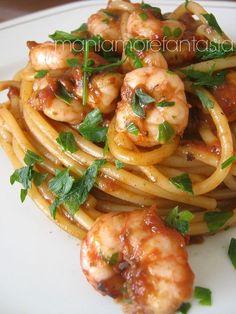 - Pasta with shrimp and squid sauce pasta rezept healthy pasta recipes Italian Pasta, Italian Dishes, Italian Recipes, Pasta Recipes, Cooking Recipes, Healthy Recipes, Seafood Dishes, Pasta Dishes, Pizza Und Pasta
