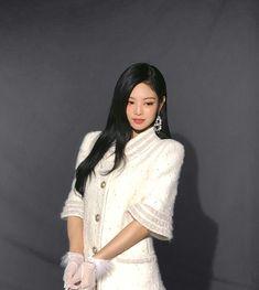 Kim Jennie, South Korean Girls, Korean Girl Groups, Blackpink Photos, Blackpink Fashion, Look At You, Ulzzang Girl, K Pop, Adventure Time