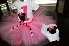 Pink and white Minnie Mouse Tutu outfit. Tutu skirt, onsie and bloomer.