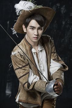 SHINee Key-  i want to see him in this!!