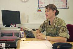 Primer oficial transgénero del ejército británico dice que ella estaba viviendo una mentira | Daily Mail Online