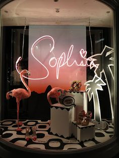 Display columns merchandising in 2019 window display design, Salon Window Display, Window Display Design, Shop Window Displays, Vitrine Design, Beauty Salon Interior, Lokal, Neon Lighting, Retail Design, Store Design