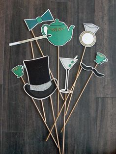 Throw the ultimate 1920s-inspired party with these free printable accessories from HGTV.com.