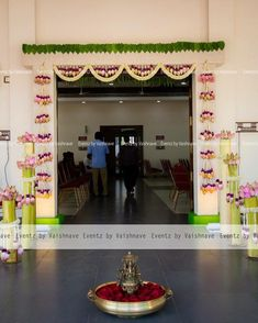 Fall Wedding Party I& not found this before. Housewarming Decorations, Diy Diwali Decorations, Wedding Hall Decorations, Wedding Entrance, Wedding Mandap, Festival Decorations, Flower Decorations, Decor Wedding, Wedding Stage Design