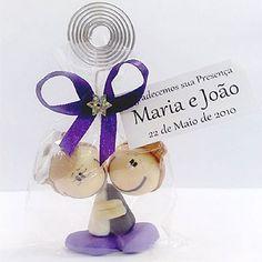 Lembrancinha de Casamento Noivos Agarradinhos Porta Recado, com tag personalizada! $3.90