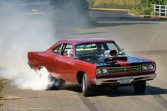 We all love our Muscle Cars. Check out your favorite Muscle Car Man Cave Gear… Custom Muscle Cars, Best Muscle Cars, American Muscle Cars, Custom Cars, Rat Rods, Gp Moto, Plymouth Muscle Cars, Drag Cars, Road Runner