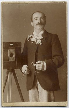 29 Interesting Vintage Photographs of Photographers Posing with Their Cameras from the 19th Century