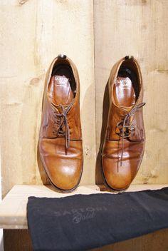 Nieuw jaar, nieuwe schoenen van kwaliteit! Damesschoenen van Sartori GOLD in maat 40 voor 49,95 Interesse? Mail dan naar jacobien@prinsenenprinsessen.com, of kom langs in onze winkel. Woe t/m vrijdag 10:00-17:00 en Za 12:00-17:00 www.prinsenenprinsessen.com #sartorigold #shoes #leather #quality