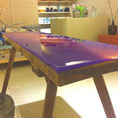 DIY Epoxy table by woodblogger.nl