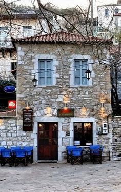 """ photo by Yanni Logiotatides Arcadia Greece, Myconos, Go Greek, Greek House, Coffee Places, Greece Travel, Crete, Greek Islands, Santorini"