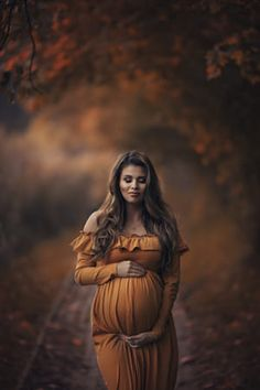 Portraits Maternity Pregnancy - Photos Curated by Bill Wilson Fall Maternity Shoot, Fall Maternity Pictures, Outdoor Maternity Photos, Maternity Photography Outdoors, Maternity Dresses For Photoshoot, Maternity Poses, Maternity Portraits, Beautiful Pregnancy, Pregnant Halloween
