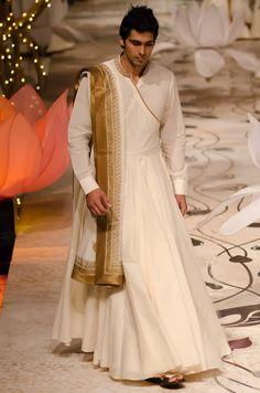 Cool Traditional Indian Clothing Rohit Bal India Bridal Fashion Week 2013 (x). Indian Men Fashion, Indian Bridal Fashion, Bridal Fashion Week, India Fashion, Groom Wedding Dress, Wedding Dress Styles, Wedding Wear, Moda India, Traje A Rigor