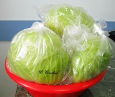 Varza congelata pusa la murat by Cerulina – cerulina Romanian Food, Cabbage, Vegetables, Bedroom, Canning, Room, Bed Room, Vegetable Recipes, Cabbages