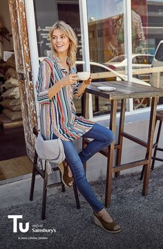 A striped tunic, jeans and wedge sandals? Yes please!