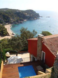 Sumptuous Coastal House on Spain's Costa Brava in Tossa De Mar from Coastal Bedrooms, Coastal Living Rooms, Coastal Homes, Coastal Interior, Interior Design, Coastal Paint Colors, Infinity Pool, Villa, Spanish House