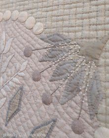 A prominent and celebrated quilt artist and designer, Yoko Saito is known for her use of gentle taupe colors in quilting and sewing projects. Yoko Saito, Wool Quilts, Mini Quilts, Gray Quilts, House Quilt Patterns, House Quilts, Caswell Quilt, Aplique Quilts, Expo