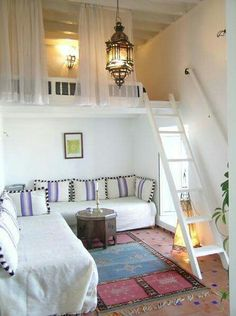 Die kleine Wohnung einrichten mit Hochhbett small apartment set up with high bed_small room set up in white with loft bed over corner sofa Bedroom Loft, Dream Bedroom, Mezzanine Bedroom, Bedroom Small, Master Bedroom, Trendy Bedroom, Tiny Bedrooms, Mezzanine Loft, Bedroom Curtains