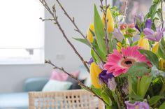 Met bloemen in huis, voel je je meteen thuis Plants, Plant, Planting, Planets
