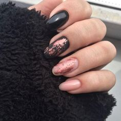 35 Gorgeous Rose Gold Nails Perfect Any Event Guide) : Rose Gold Nail Polish - Black and Rose Gold Nails - Gorgeous Rose Gold Nails Perfect For Summer -Rose Gold Nail Polish, Rose Gold Chrome Nails, Rose Gold Glitter, Rose Gold Gel Nails Gold Gel Nails, Gold Chrome Nails, Rose Gold Nail Polish, Coffin Nails, Polish Nails, Cute Nails, Pretty Nails, Gold Nail Designs, Chrome Nails Designs