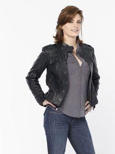 Google Image Result for http://images2.fanpop.com/image/photos/9800000/New-Promo-Pics-Season-2-Kate-Beckett-castle-9892470-449-600.jpg