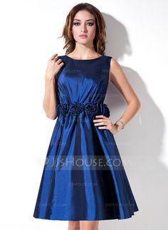 [US$ 79.99] A-Line/Princess Scoop Neck Knee-Length Taffeta Bridesmaid Dress With Flower(s) (022017168)