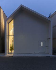 "Asahicho Clinic by hkl studio ""Location: Chiba, Chiba Prefecture, Japan"" 2015"