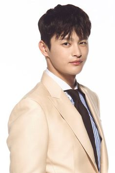 """Shopping King Louis"" begins its run on September 21st and will air every Wednesday and Thursday at 22:00, on MBC."