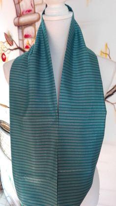 Hoi! Ik heb een geweldige listing op Etsy gevonden: https://www.etsy.com/nl/listing/475689066/blue-satin-pinstripe-infinity-scarf