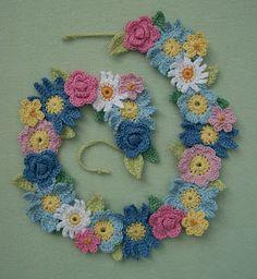 Knot Garden: Flower Garland ~~ do this 4 door draft...