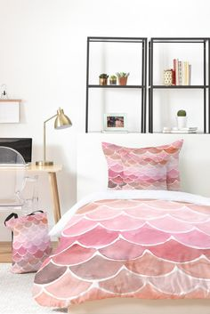 How much do you love this pink Mermaid Scales complete bedding set??!? >> take 25% off with code DECOR