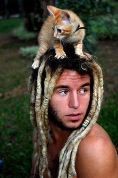 dreads. and a kitty!