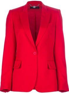 Terninho é careta? Tente este vermelho vivo de calça sequinha com blazer mais comprido. (Stella McCartney)