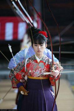 Kyūdō Shōjo / Japanese Archery Girl / 弓道少女 #Japan #Kyudo #Kimono #Otome #乙女