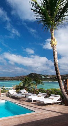 Beachfront hideaway on St. Bart's, where Provence meets the Caribbean, with two pools, two restaurants and a spa.