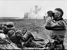 """enrique262: """"May 1942, German units engaged in combat near Kharkov. """""""