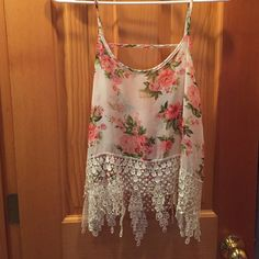 Crop top Floral lace crop top, only worn a few times! Dainty Hooligan Tops Tank Tops
