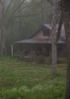 Louisiana Swamp Homes Making of Into The Woods, Cabins In The Woods, Cabin Homes, Log Homes, Abandoned Houses, Abandoned Places, Little Cabin, Cabins And Cottages, Log Cabins