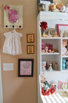 Vintage girls room w