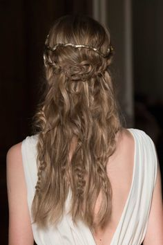 FIRST 'GAME OF THRONES' COMPARISON OF THE SEASON: VALENTINO. Last fall, Valentino, hair, by Guido Palau, Photo: Imaxtree.