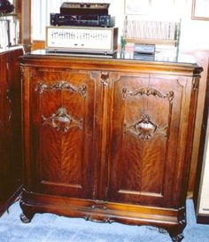 Make Your Antique Furniture Work For You By Fred Taylor,  Www.furnituredetective.com