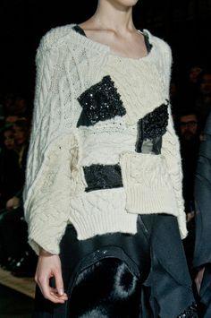 Junya Watanabe à la Fashion Week de Paris, automne 2014 - StyleBistro , La Fashion Week, Fashion Moda, Love Fashion, Plus Size Fashion, Paris Fashion, Knitwear Fashion, Crochet Fashion, Deconstruction Fashion, Knitting Wool