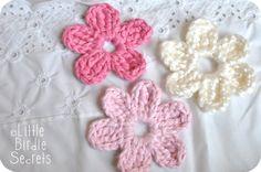 six+petal+crochet+flower+pattern+for+hat.jpg 1,600×1,063 pixeles